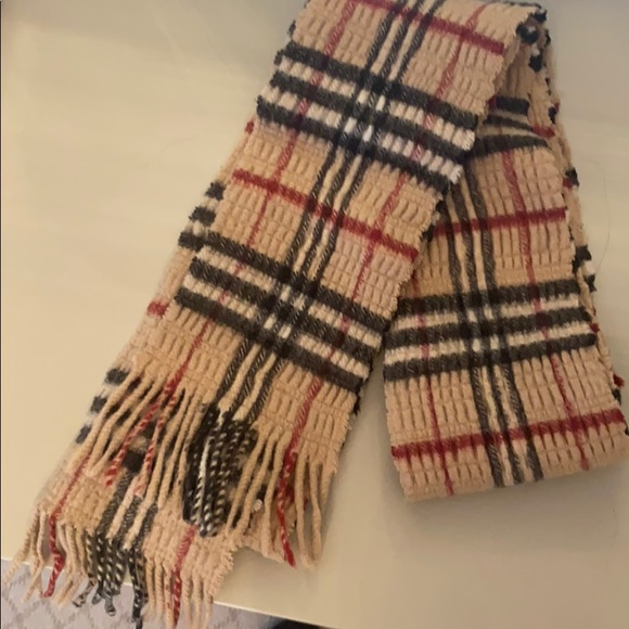 Burberry Winter scarf